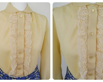 Vintage cream 1960s Welkut lace ruffle peter pan collared blouse. Size 14-16