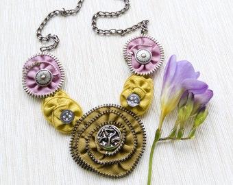 Zipper necklace / Zipper jewelry / Statement necklace / Bib necklace / Green necklace / Gift for her