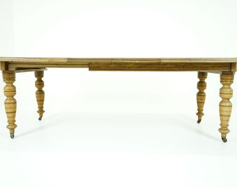 C2576 Antique Scottish Victorian Oak Dining Key Wind Table with 2 Leaves