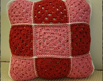 Crochet granny squares cushion with no wrong side