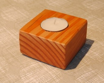 Tea light candle holder