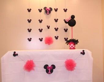 Minnie Mouse banner/garland