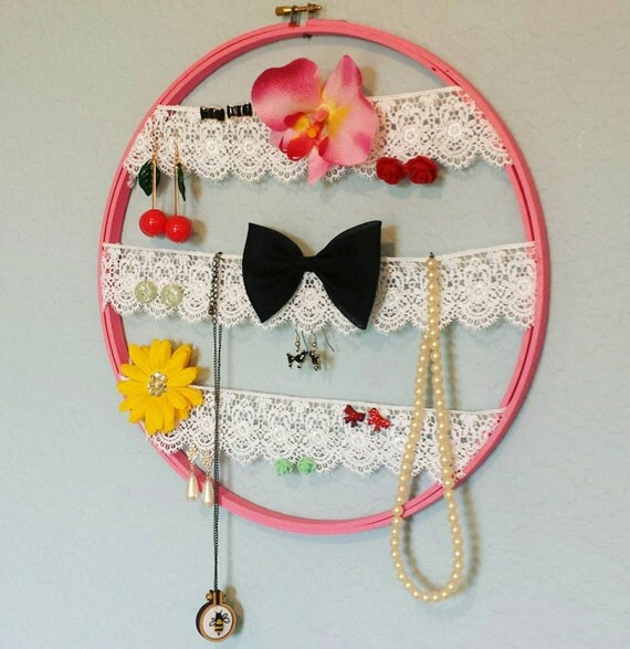 Embroidery hoop jewelry organizer display white lace ribbon