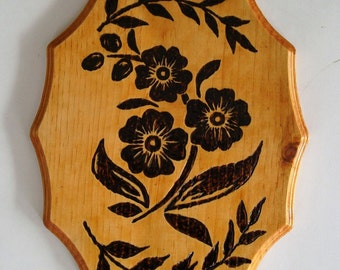 Wood Burning Flower Plaque, Wooden Flower Picture, Handmade Plaque, Wall Hanging, Wall Art, Wall Pictures, Home Decor, Great Gift