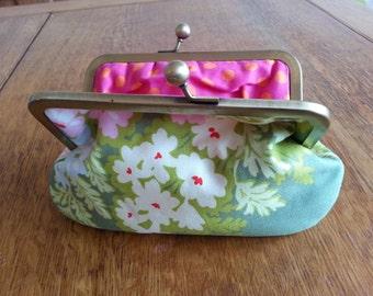 Handmade fabric clasp purse