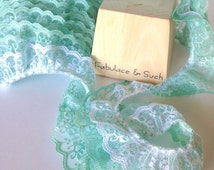 GREEN & WHITE GATHERED Lace Trim 2 Inch (5.08 cm) Ruffled Aztec Lace - Mint Green And White - 2 Yards (1.83 m) Long