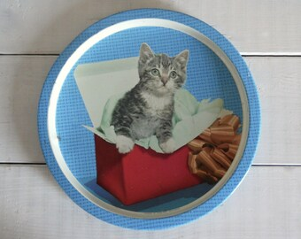 "The Most Adorable Kitsch Kitten Tray - Vintage Tin Tray by Handiware 10"" Diameter"