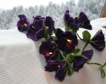 Felted romantic flower light chain