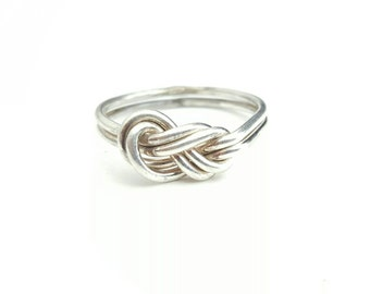 Vintage Sterling Silver Figure 8 Square Knot Ring- Size 7