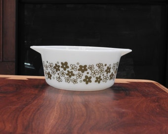Pyrex Spring Blossom *Crazy Daisy* Casserole Dish with lid