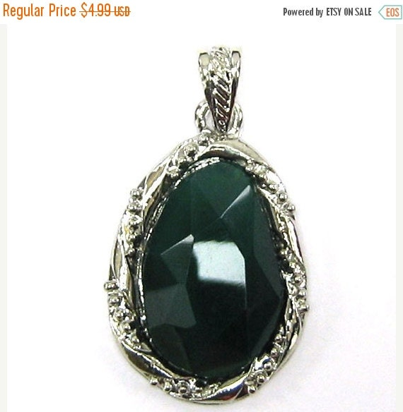 ON SALE 35mm green onyx agate silver plated flat teardrop pendant bead