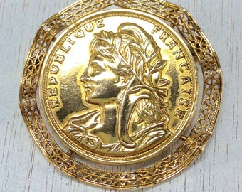 Gorgeous Signed Vintage REPUBLIQUE FRANCAISE  Filigree Greece Brooch Pin