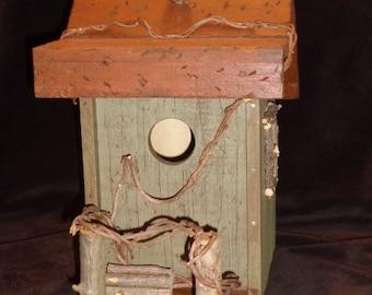 Rustic Pallet Birdhouse