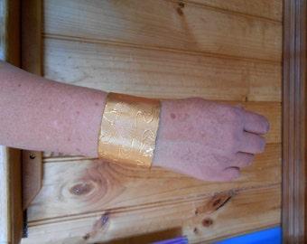 Wrist cuff