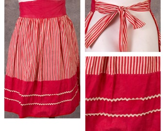 Vintage 1950s Red and White Candy Stripe Apron