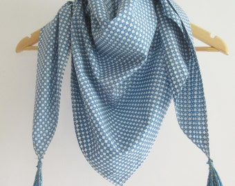 Arabic scarf (chèche) with white and blue geometric patterns and blue pompons  - MONASTIR