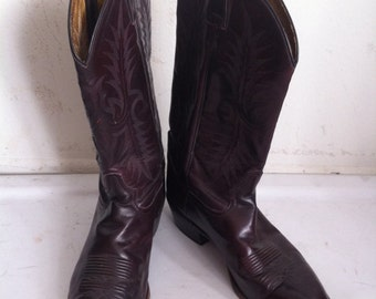 Vinous men's cowboy boots, from leather, durable leather, vintage style, western boots, cowboy, old boots, retro boots, men's size 8 1/2 EE.