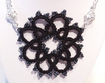 Tatting lace necklace