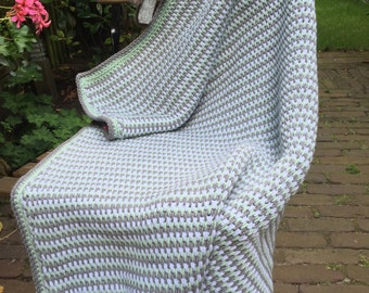 Tunisch crochet blanket in mint, grey and white