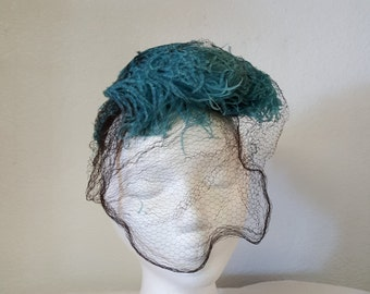 Awesome vintage ostrich feather hat with veil, Blue Ostrich hat, retro ostrich hat, velied ostrich hat, womans ostrich hat, feather hat