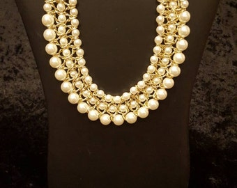 White Pearl Necklace, Vintage Necklace, Bib Necklace, Chunky Necklace, Dramatic Necklace, Pearl and Gold Necklace, Statement Necklace
