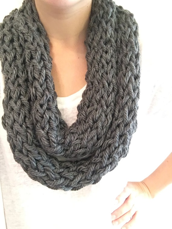 how to make a finger knit infinity scarf