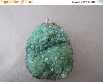 ON SALE Green Agate Druzy Geode Pendant 1pc