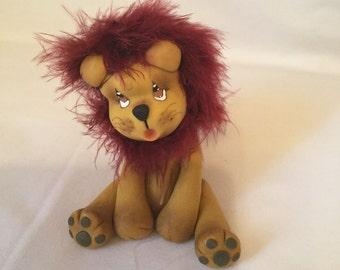 Figurine lion cold porcelain
