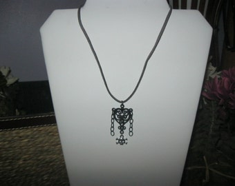Black heart and skull necklace