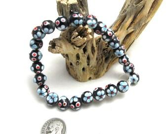 1 Strand Handmade Round Lampwork Beads in Black/White/Blue Flowers (B87n)