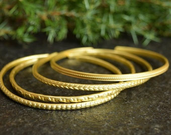 Handmade Textured Bracelets, Gold Cuff, Set of 4, Hammered Bangle Set, Stacking Bangles, Textured Jewelry, Metal Bangle, Whitemouse