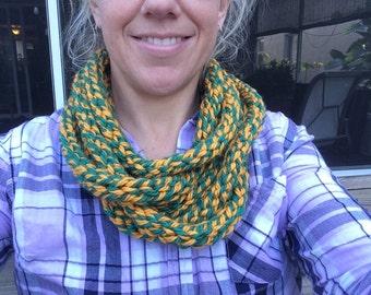 Layered circle scarf - Green and Gold