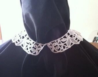 Narrow cotton crocheted collar.