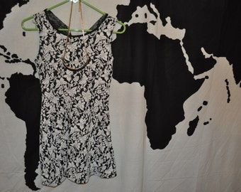 Size Small Black and White Print Dress and Necklace