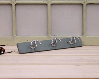 Hanger/Vintage wall hanger