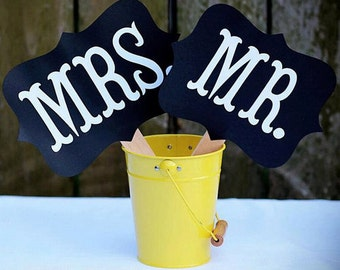Sign MR & MRS