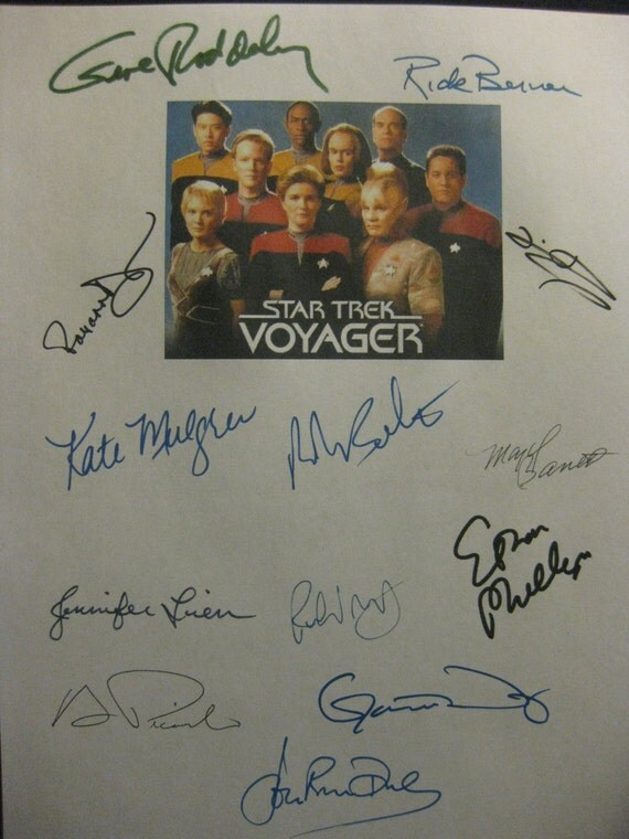 Star Trek Voyager Signed Double TV Screenplay Script x13 Autographs Gene Roddenberry Kate Mulgrew Rick Berman John Rhys-Davies Beltran