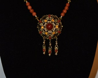Vintage amber & brown pendant/ necklace