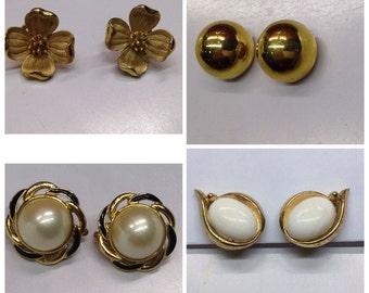 Trifari earrings (a pair)