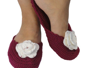 Women's slippers with roses, comfy, crochet