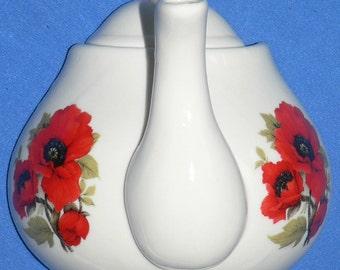 Poppy ceramic teapot wall hook