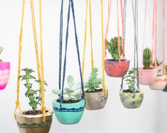 Lace band Concrete Hanging Planter – Plant Pot – Hanging planter – Indoor Plant Pot – Concrete Planter – Botanical Gift – Gardening Gift
