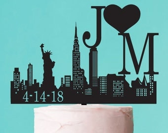 New York Skyline Personalized Wedding Cake (PPDJM2727280)