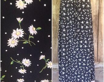 Floral grunge skirt, vintage 90s skirt, grunge floral skirt, ditsy floral, daisy skirt, sunflower skirt, black boho hippie bohemian maxi