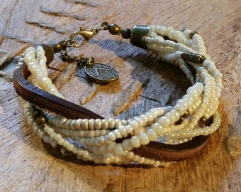 Tohoperlen bracelet in cream / leather