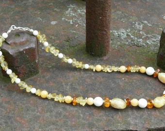 Amber, coral, Zirtrin, gemstone necklace