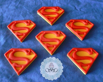 12 x Edible fondant Superman Cupcake Toppers