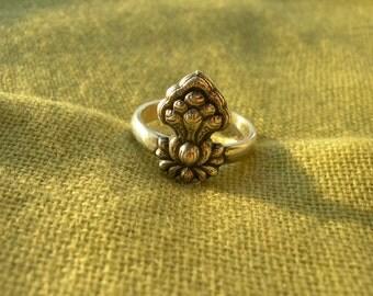 Buddhist Handmade Ring. Tibetan buddhism. Cindamani stone. Buddhist jewelry.