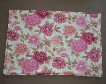 4 floral placemats & 2 pot holders, reversible placemats, washable placemats, mother's day gift, pot holders, heat resistant pot holders
