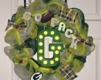 Light up Green Bay Packer Wreath